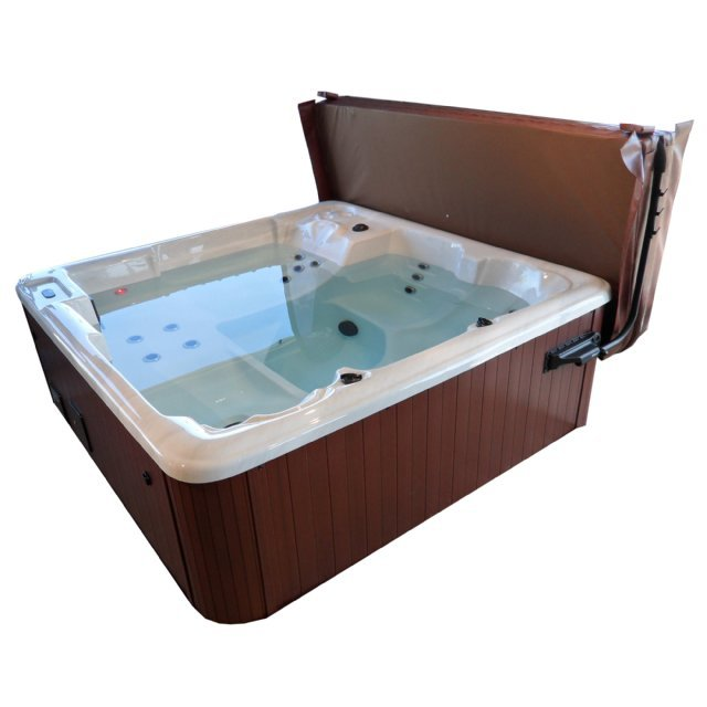 The Solway 5 person hot tub